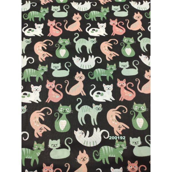 mintás pamutvászon /zöld-lazac cicák (domborító cica 8cm × 8cm) /fekete