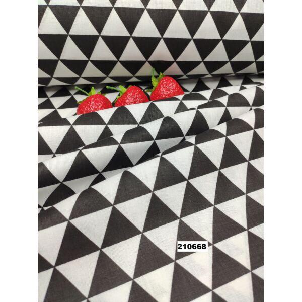 mintás pamutvászon /háromszögek (2.5cm × 3cm) /fekete-fehér