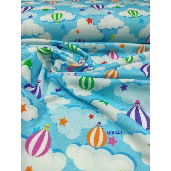 elasztikus mintás pamut jersey /hőlégballon a fellegekben (lila 3cm × 4.5cm) /világoskék